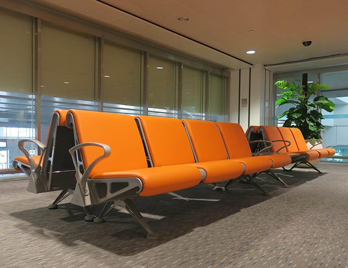 Ghế băng dài bọc nệm theo màu sắc