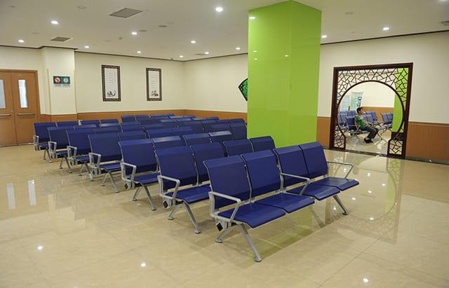 Nên mua ghế băng chờ giá rẻ và chất lượng tốt
