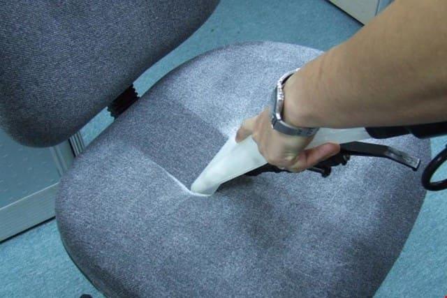 Quy trình vệ sinh ghế văn phòng