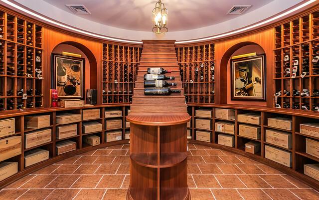 Mẫu tủ đựng rượu vang trong phòng trưng bày
