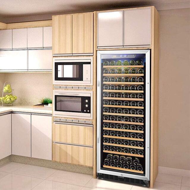 Mẫu tủ rượu vang trong phòng bếp