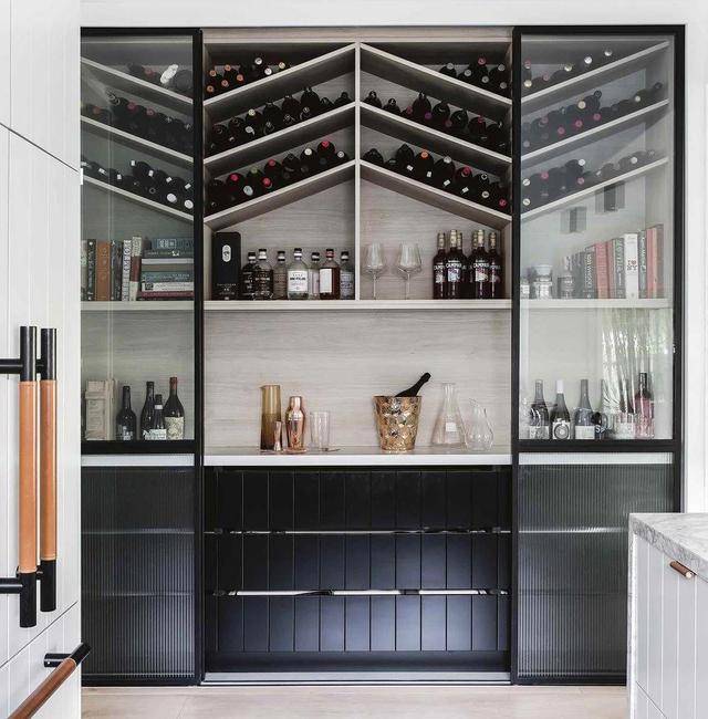 Phân loại tủ đựng rượu vang